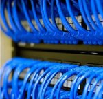 Почему участок сети на витой паре не должен превышать 100 метров?